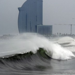 Surfen in Nordspanien: Barcelona on fire!